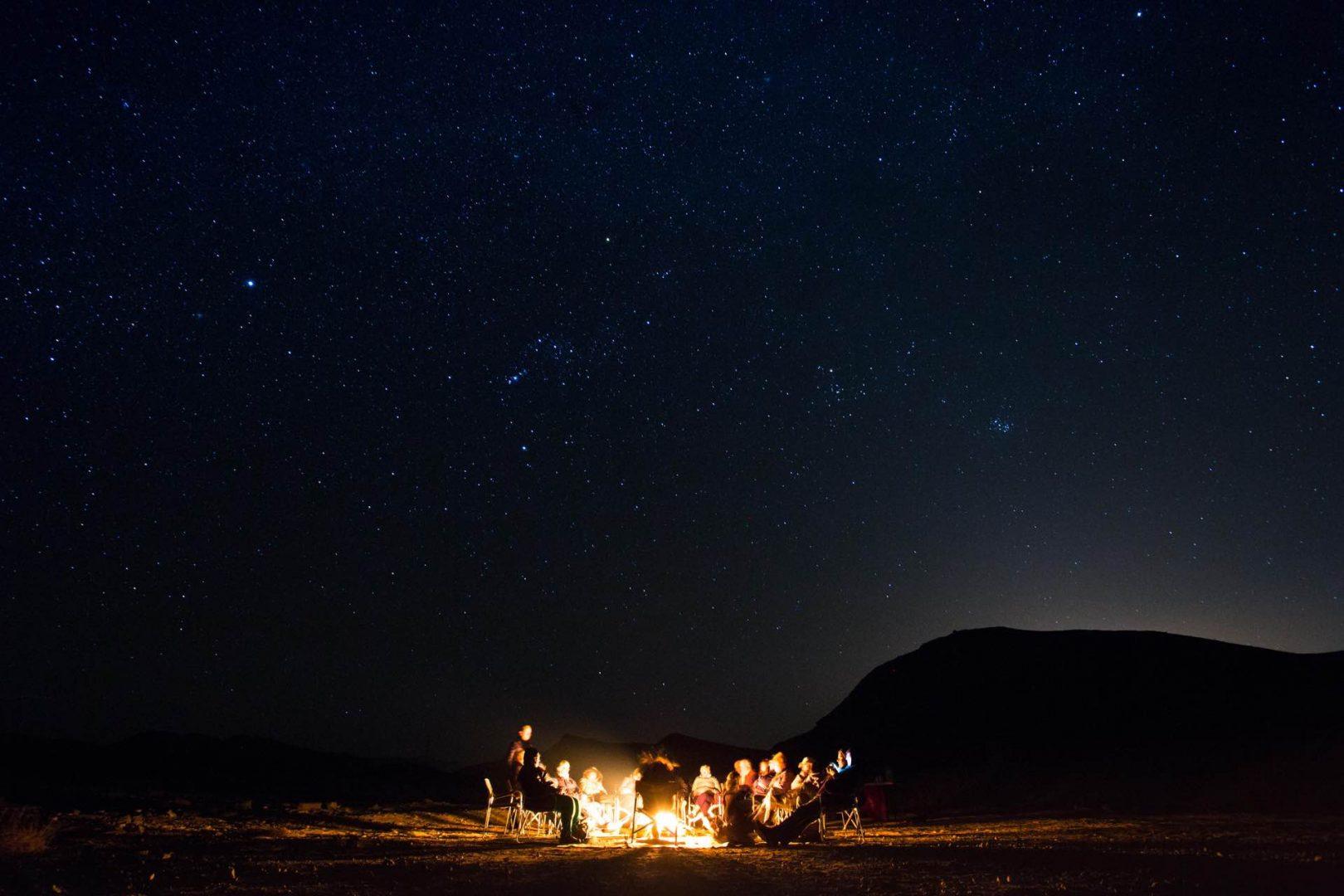 פעילות אסטרונומיה מסביב למדורה במכתש רמון