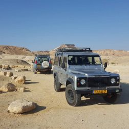 Negev desert jeep tours Mitzpe ramon and Sde Boker