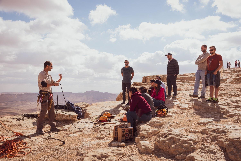 סנפלינג לקבוצות מצוק מכתש רמון